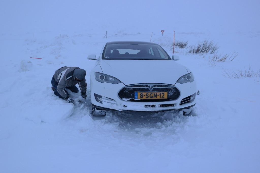 Dad digging Arctic Circle