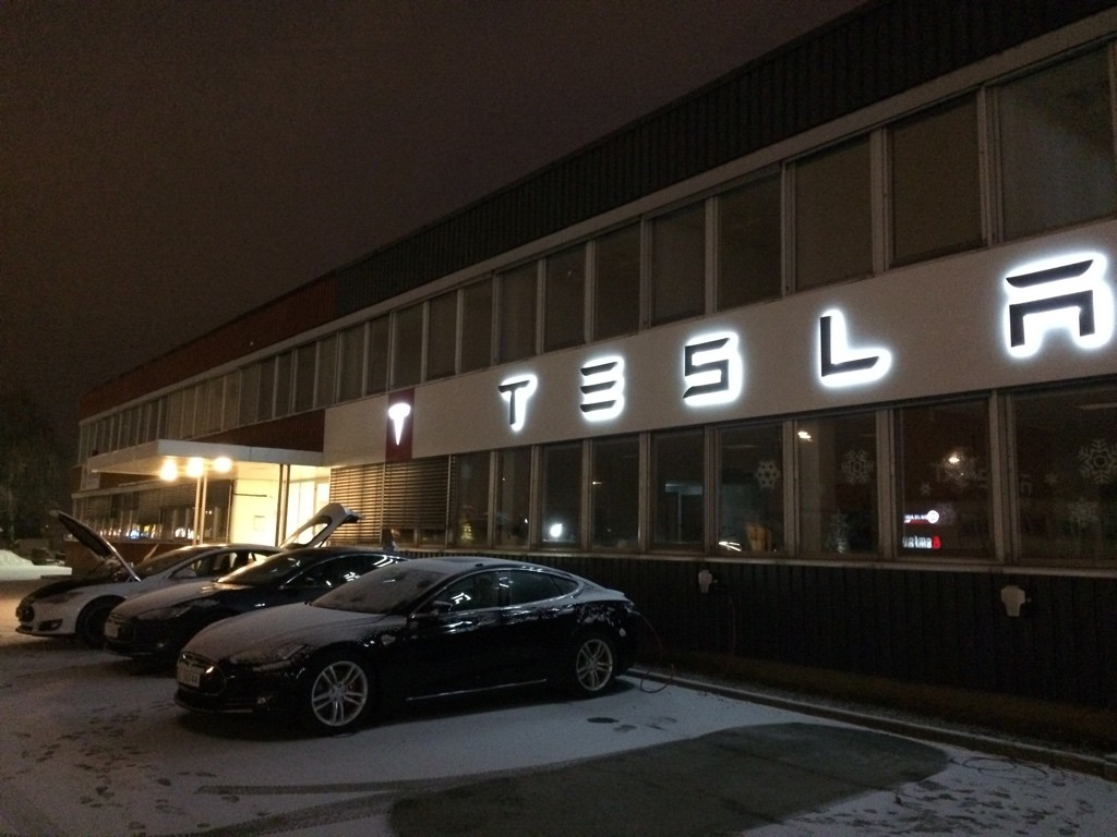 Charging at Tesla Trondheim