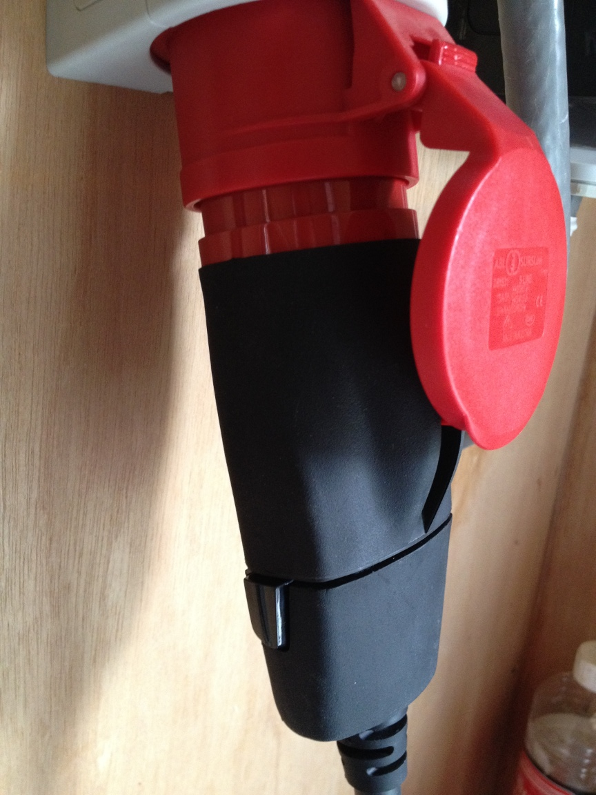 Tesla Model S Red CEE Wrong Insert